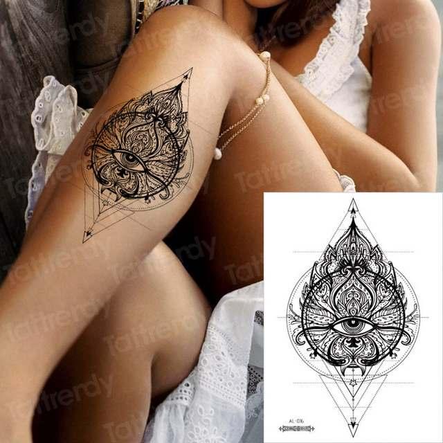 Tattoo unterbrust