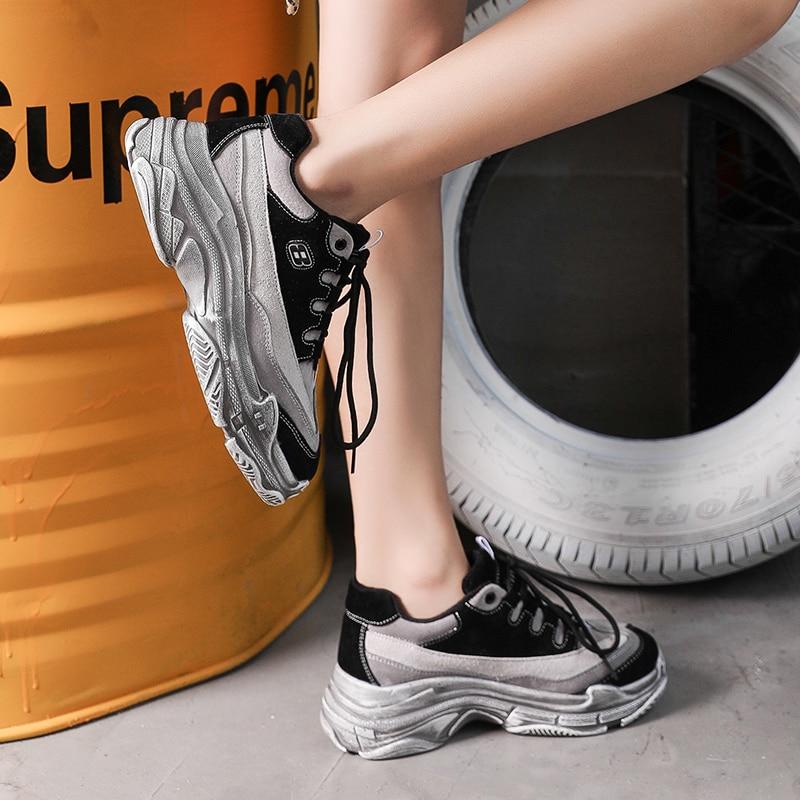Nouvelle 2018 De Mode Appartements Femmes Formateurs Respirant Sport Femme  Chaussures Casual de Marche En Plein Air Femmes Appartements Zapatillas  Mujer ... 9f7b0037898