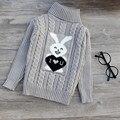 Alta calidad de los niños ropa de bebé niñas niños jerseys de cuello alto suéteres 2015 otoño/invierno caliente de la historieta niños prendas de vestir exteriores