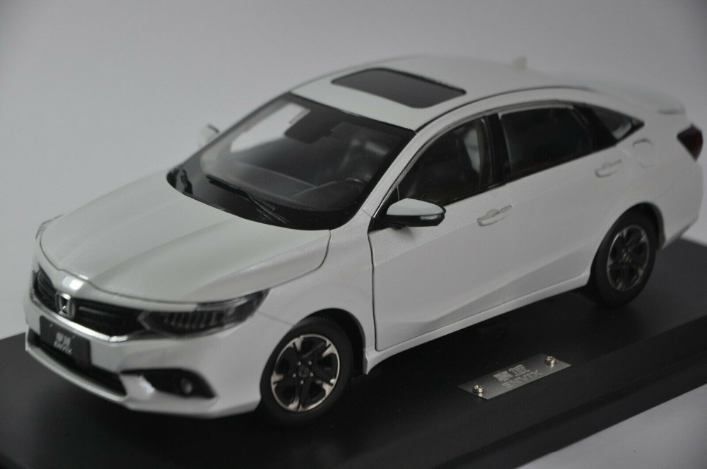 1:18 Diecast Model for Honda Envix 2019 White Sedan Alloy Toy Car Miniature Collection Gifts