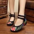 Tamanho quente 41 Bailarinas Dancing Shoes Mulheres Pavão Bordado Sola Macia Sapatos Casuais sapatos de Pano de Pequim Apartamentos Pé