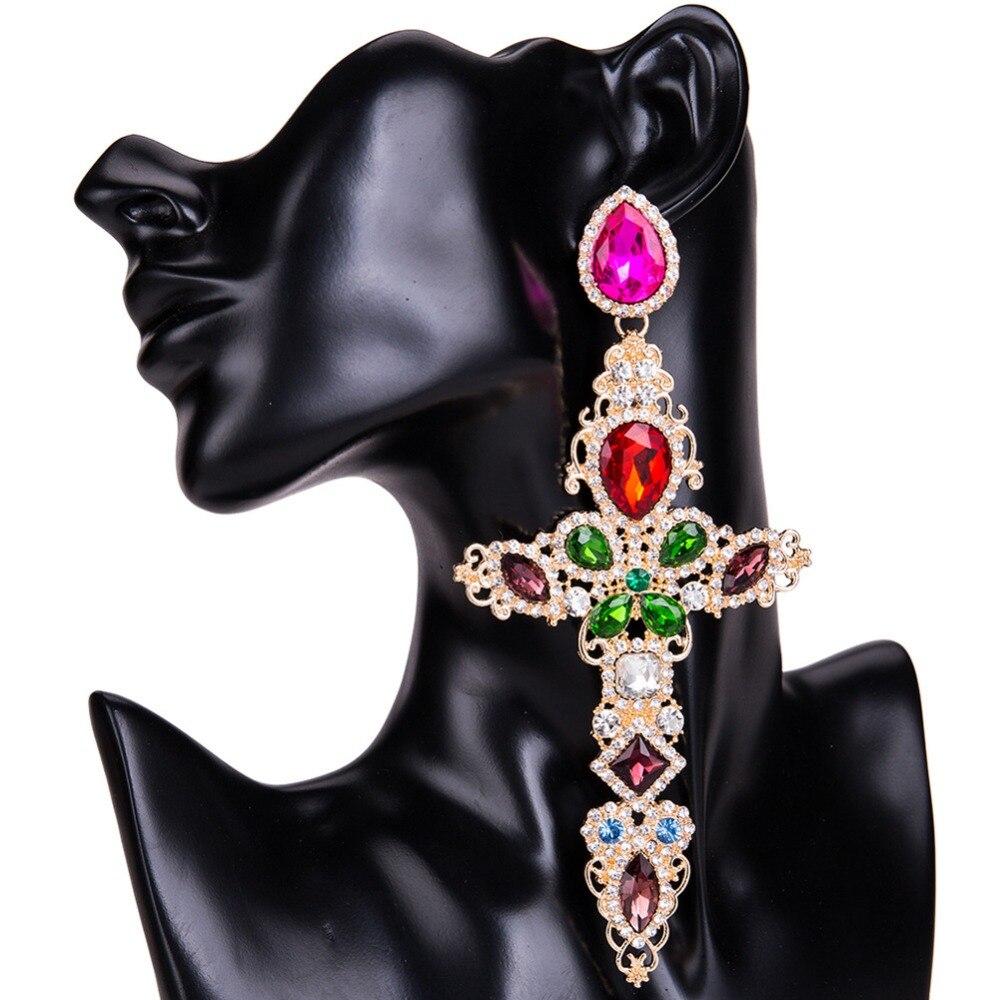 2152519dc17f Pendientes de cruz grande de Color dorado barroco para mujer pendientes  largos grandes joyería Brincos 2017 diamantes de imitación pendientes  colgantes ...