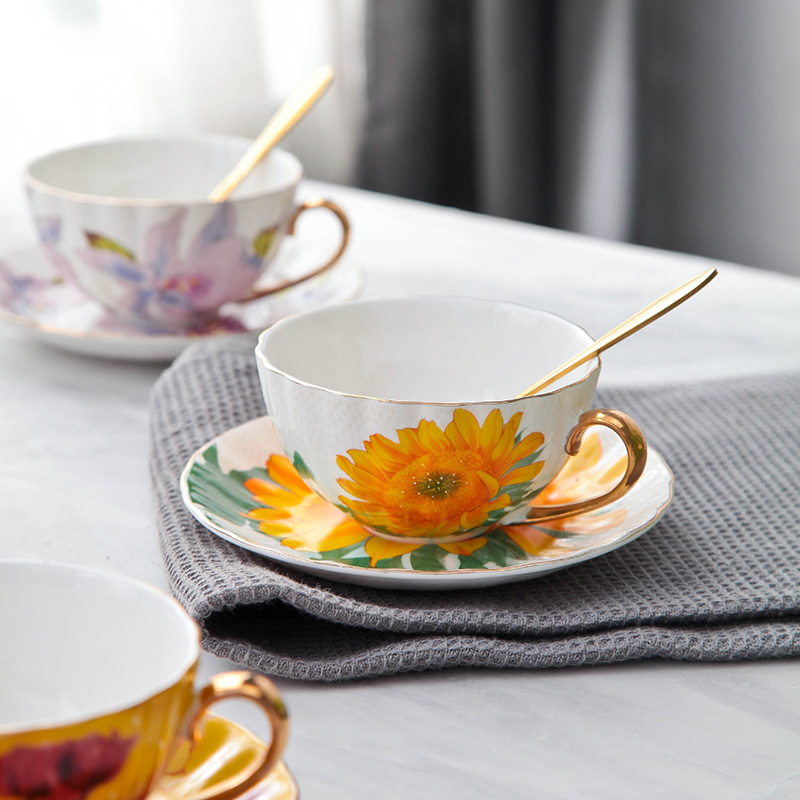 British Bone China Tea Coffee Cup Saucer Set flower Pattern Teacup Set Modern Ceramic Coffee Cups Fancy Porcelain Tea Cup Gift