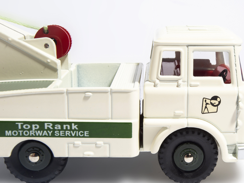 Купить с кэшбэком CAR MODEL ATLAS 1/43 Dinky Toys 434 BEDFORD TK CRASH TRUCK FULLY OPERATING WINCH Die-cast