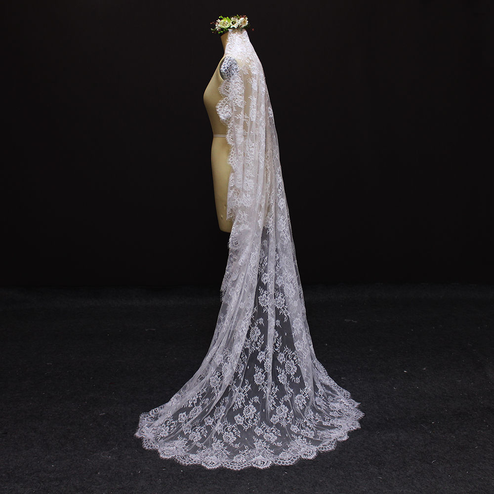 2017 echte afbeelding mooie bloem kant 2 meter bruidssluier MET kam - Bruiloft accessoires - Foto 2