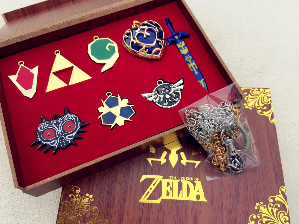 The Legend of Zelda Twilight Princess & Hylian Shield & Master Sword finest Weapons collection 9pcs sets keychain / necklace