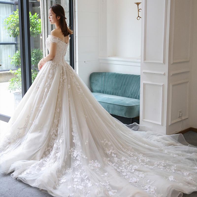 Royal luxury trail Spring off shoulder wedding dress appliques Wedding party gowns lace up Vestidos de festa Bride dresses