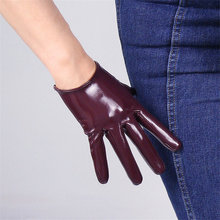 Woman Patent Leather PU Gloves Short Style 16cm Simulation Wine Red Bright Female Dance Party P16-9