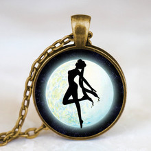 2017 New Fashion Sailor Moon Pendant Necklace Vintage Photo Glass Dome Necklaces Handmade Anime Jewelry Unisex Chain