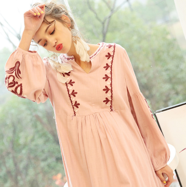 Pregnant women spring and summer new Bohemian embroidered long-sleeved loose maternity dress nursing dress D7285