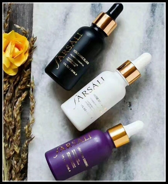women-fashion-rose-gold-elixir-radiating-moisturizer-volcanic-elixir-hydrating-unicorn-essence-oil-free-highlight-primer-serum