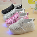 Bebé girls boy led light shoes niño antideslizante zapatillas deportivas de bling de las lentejuelas pu shoes