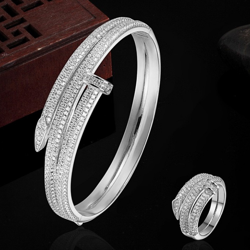 Luxury Brand Copper Gold color Bracelet Anniversary Jewelry Europe Design Cubic Zircon Bracelet Bijoux Love Bangles