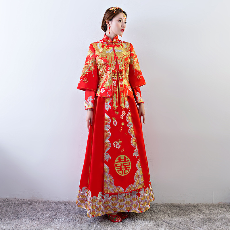 Ancient marriage costume the bride clothing gown traditional Chinese wedding dress women cheongsam embroidery phoenix red