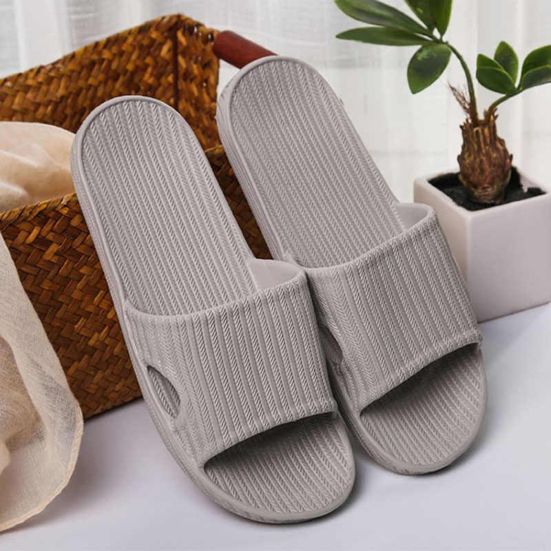 Chinelos Casa de verão do Novo Casal Interior Do Hotel Não-slip de Banho Homens Sandálias Ao Ar Livre Moda Listras de Amortecimento Sapatos de Praia Das Mulheres