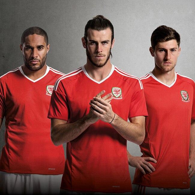 36-44 Football soccer SOCKS Great Britain team sport men EURO <font><b>world</b></font> <font><b>Cup</b></font> Cymru MEN group quarter top <font><b>eight</b></font> match Welsh for Wales