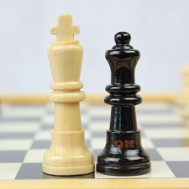 Φυσικό ξύλινο σκάκι μικρό / μεσαίο / - Ψυχαγωγία - Φωτογραφία 1