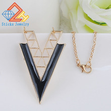 Geometric Triangle Shaped Alloy Pendant Necklace Enamel Hollow Out Sexy Trendy Vintage Jewelry for Women Bijoux Party floral enamel hollow out pendant necklace