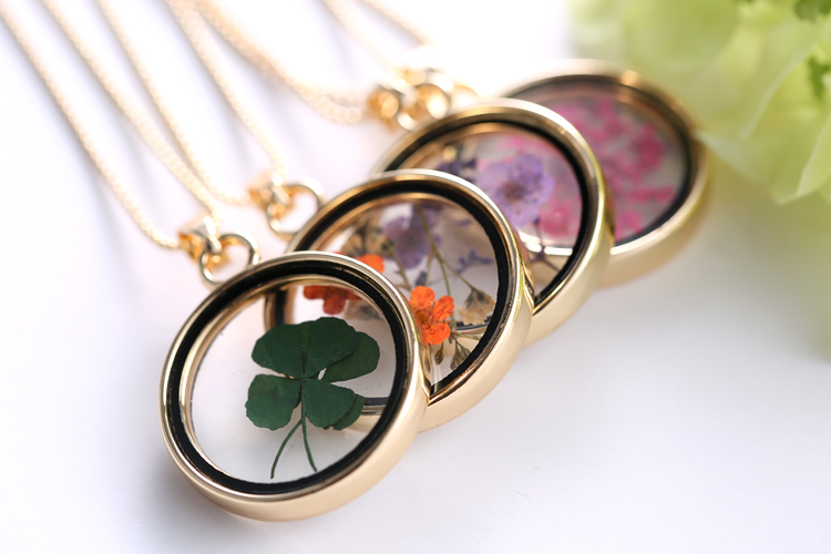 Glass Charms Pendant Necklace Dried Flower Real Dry Flower Round Locket Necklace Gold Chain Necklace for Women Jewelry Fashion in Pendant Necklaces from Jewelry Accessories