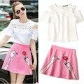 Desfile de Moda Rendas Fora Do Ombro Blusas Brancas das Mulheres e Senhoras Dedos Rosa Rose Flores Bordados Saias Ternos NS353