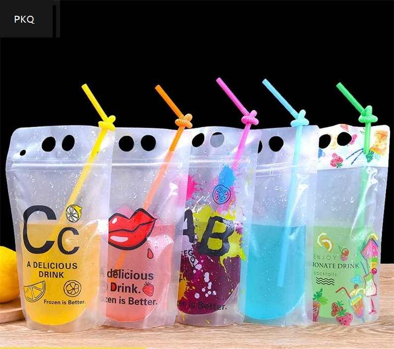 Capacity 400-500ml New Design Plastic Drink Packaging Bag Pouch for Beverage Juice Milk Coffee with Handle and Holes for Straw