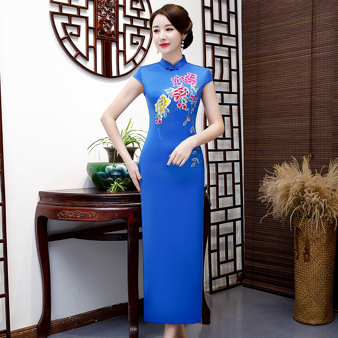 Bleu mandarine col femmes Satin Cheongsam chinois robe Sexy Slim serré grande taille 3XL 4XL Long imprimé fleur Vestidos Qipao