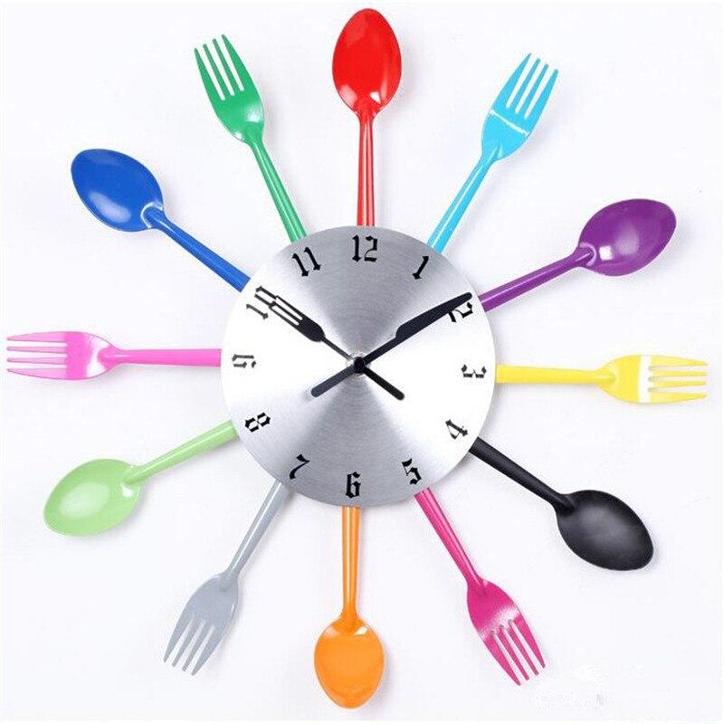 posate orologio da parete di design in metallo colorato coltello forchetta cucchiaio cucina orologi creativo modern