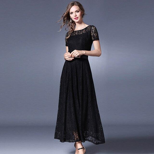 Vestido negro largo con manga corta