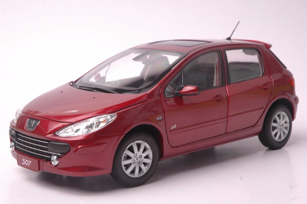 1:18 Diecast Model for Peugeot 307 Red Hatchback Alloy Toy Car Miniature Collection Gift цена