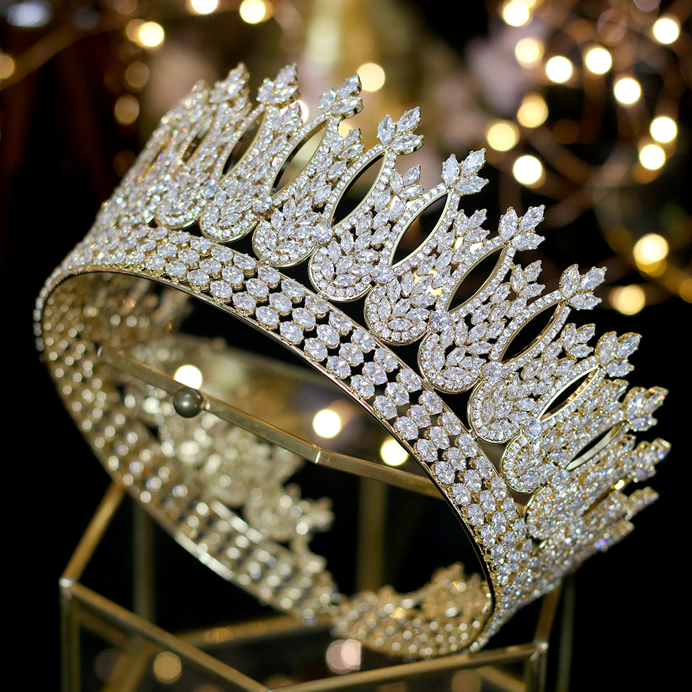 última moda buscar original amplia selección US $136.74 40% OFF|2019 nuevo lujo princesa de oro joyeria de la cabeza y  gran corona diadema boda accesorios para el cabello accesorios de la  cena-in ...