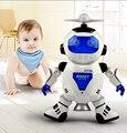 Новый 360 Вращающийся Электронные Пение Танцы Smart Space Робот Дети Остыть Астронавт Модель Музыка Красочный Свет Игрушки Рождественский Подарок