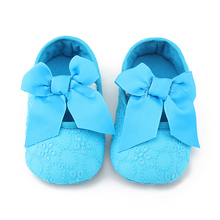 цена на Handmade High Quality Cotton Fabric Baby Girl Shoes Fashion Butterfly-Knot Solid First Walkers  Slip-On Soft Sole Princess Shoes