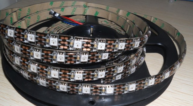 black pcb 4m WS2811 LED digital strip,60leds/m with 60pcs WS2811 built-in the 5050 rgb led chip;WATERPROOF,IP65,DC5V input