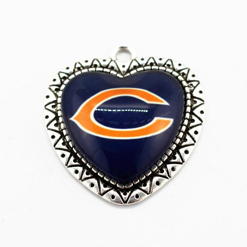 Новое поступление 10 шт./лот футбольной команды Спортивная сердце Стекло кулон Chicago Bears висит мотаться Талисманы Fit Цепочки и ожерелья