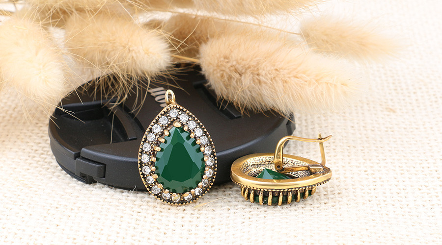 HTB1bm4OOVXXXXX7XVXXq6xXFXXXu - Indian Jewelry Designer Fashion Earrings For Women Water Drop Green Resin Sale Wholesale Jewellery Mixed Lots