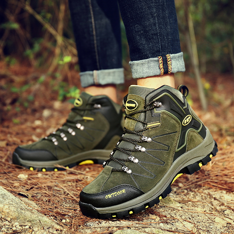 SHARCPCLAW Men Hiking Shoes Non-Slip Designer Wear-Resistant Climbing Boots Winter Outdoor 2019 Walking Calzado Hombre