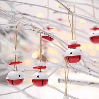 10 pcs Pendurando Enfeites de Natal Jingle Bells Vermelho Oco Branco com Cordas de Natal a Decoração Da Árvore de Natal Pingente Decoração Do Natal