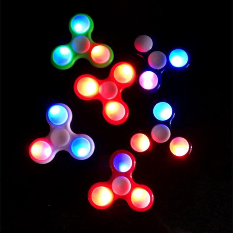 Glowing Fidget Spinner Gyro LED Flash America Decompression Explosion Glare Trefoil Gyro EDC Toys