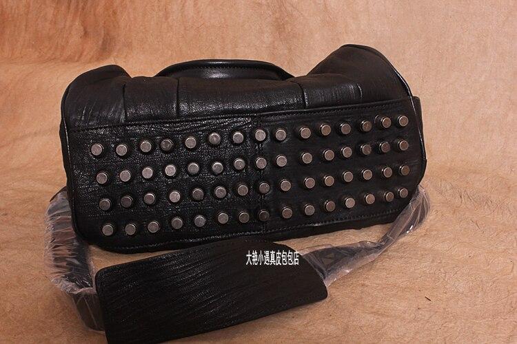 Handbag Women's First Layer Of Cowhide Rivet Handbag Messenger Bag