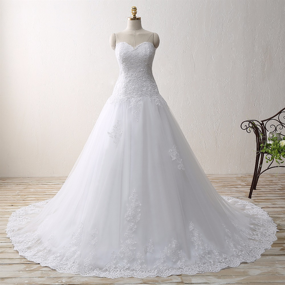 Elegant A-line Sweetheart Appliqued Tulle Lace Wedding Dress
