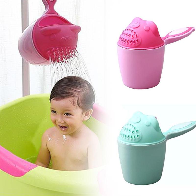 1PC Bear Cartoon Shampoo Shower Cup Watering Brush Cup Blue Pink Two Color Baby Shower Water Spoon Infant Children Bathing D5