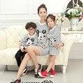 Новый бренд семьи матч одежда для матери дочь и сын свободную рубашку с длинным рукавом мультфильм топы одежда в полоску, футболка