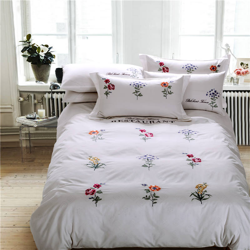 IvaRose Wholesale Bedding Set White King Queen Size 100% Cotton Embroidered Tribute Silk Bed Linen Set Hotel Style SheetIvaRose Wholesale Bedding Set White King Queen Size 100% Cotton Embroidered Tribute Silk Bed Linen Set Hotel Style Sheet