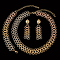 Encantos Grande Pingente de Design Colar Brinco Pulseira Anel Moda Dubai Banhado A Ouro Africano Nigeriano Contas de Casamento Conjunto de Jóias