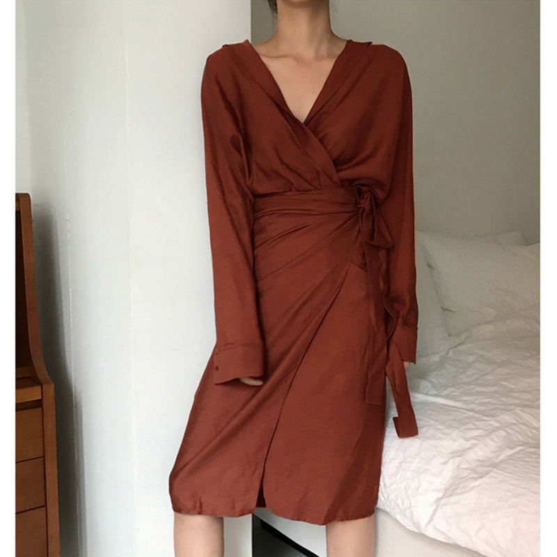 [EAM] 2019 New Autumn Winter V-Neck Long Sleeve Waist Bandage Loose Big Size Temperament Dress Women Fashion Tide JU356