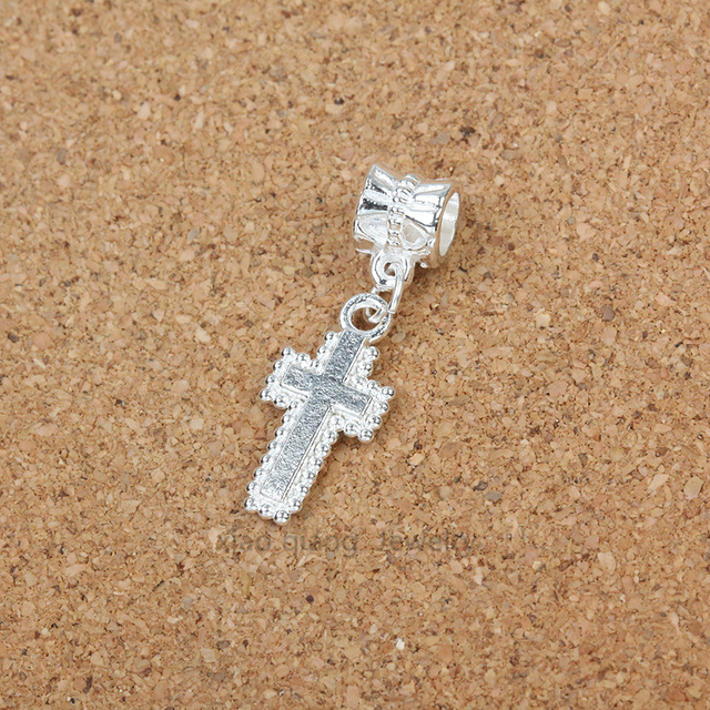 perle pandora croix