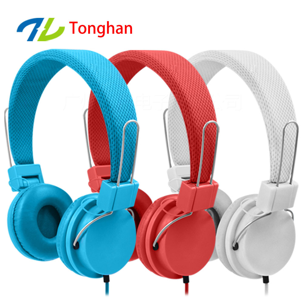 AR07 3.5mm Earphones Headsets Stereo Earbuds For mobile phone MP3 MP4 For PC