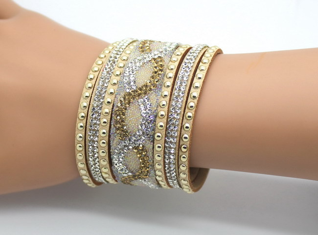 17 XQNI Brand Top Crystal Leather Bracelets & Bangles Personality Printed Pave Setting Rhinestone Charm Bracelet For Women 13