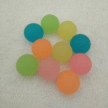 100 stücke Kinder Spielzeug Ball Farbige Jungen Springenden Ball Gummi Outdoor-spielzeug Kinder Sport Spiele Elastische Leuchtende Jonglier Springen Bälle