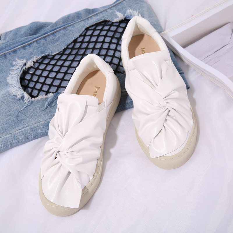Butterfly Love shoes Leather Leather Pedal Flat shoes Lazy casual shoes Korean Wild Thick white shoes. 2015 summer shallow mouth of canvas shoes women shoes a pedal lazy shoes casual flat white shoes korean wave shoes
